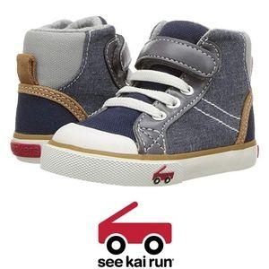 See Kai Run Boys Size 9(Toddl) Dane Chambray Shoe